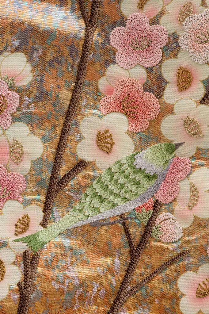 昭和のバブル時代だからこそ花開いた一幅の絵のような打掛の本を出版します。