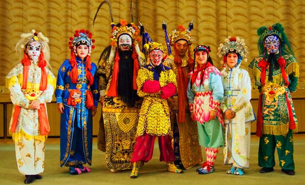 日本「能楽」×中国「京劇」2つの伝統が融合する舞台をプロの撮影で映像化したい!