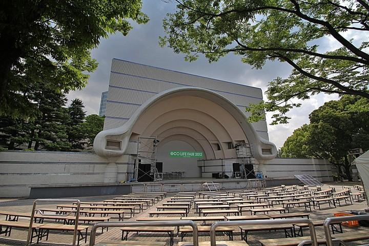 東京都内天サロスポット代々木公園の野外ステージ